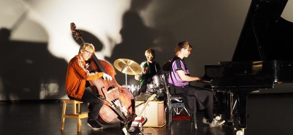 Moskus spiller på Festspillklubben Torvet 3 på Festspillene i Nord-Norge 2019