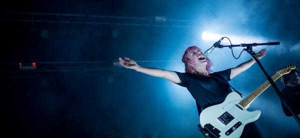 Festspillprofil Silje Halstensen presenterer en time med helt ny musikk på Støyperiet under Festspillene i Nord-Norge 2017. Foto: Max Emanuelson
