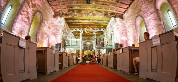 Jakop Janssønn presenterte Bricoleur i Trondens kirke mandag 22. juni 2020 under NO NO fest. Foto: Kristin Rønning