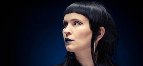 Foto: Jon Eirik Boholm, sminke/ hår: Maja Linnea Jacobsen, smykker: Wabi Sabi