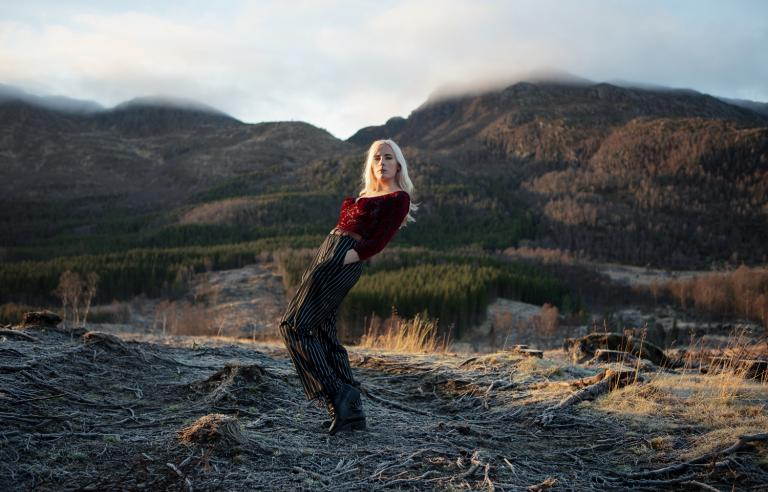 Jackie Charles spiller på Karma under Festspillene i Nord-Norge 2019. Foto: Knut Åserud