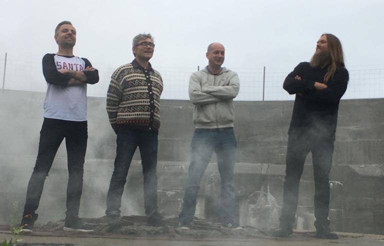Senjahopen spiller på Støperiet med venner på avslutningsdagen til Festspillene i Nord-Norge 2019. Foto: Ken Robin Sivertsvik
