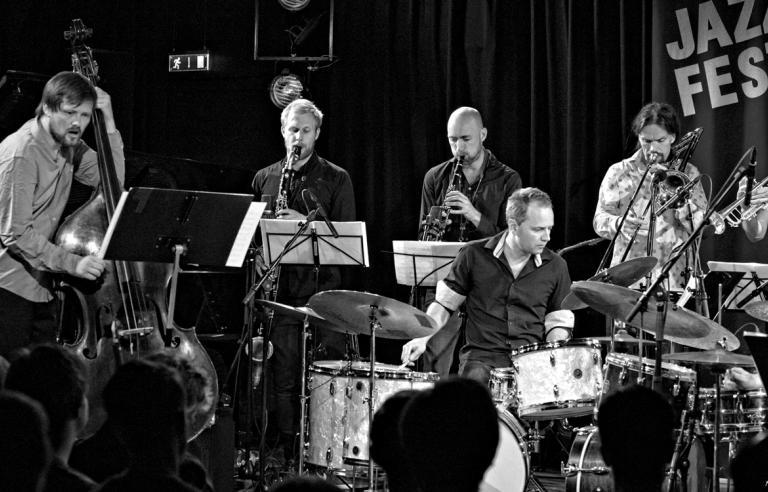 Trondheim Jazzorkester med Ole Morten Vågan & Flu Hartberg spiller på Harstad kino under Festspillene i Nord-Norge 2019.